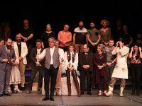 İBB Şehir Tiyatroları... HASTALIK HASTASI SEYİRCİYLE BULUŞTU!..