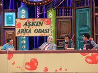 Güldür Güldür Show...KAHKAHA 'AŞKIN ARKA ODASI'NDA!