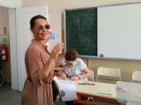 Hülya Avşar...ANNE KIZ OY KULLANDILAR!