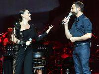 Aşkın Nur Yengi - Mehmet Erdem...DÜETLERİNİ HARBİYE'YE TAŞIDILAR!