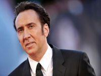 Nicolas Cage ... KENDİ KOBRALARININ SALDIRISINA UĞRADI!..