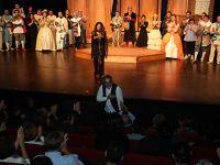 İBB Şehir Tiyatroları...'İKİ EFENDİNİN UŞAĞI'NA İLK GÖSTERİM!