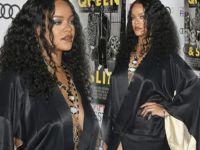 Rihanna...SÜTYENSİZ KİMONO İLE SINIRLARINI ZORLADI!