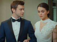 """Aşk Ağlatır...""""İNSAN AŞK UĞRUNA HER ŞEYİ YAPIYORMUŞ!"""""""