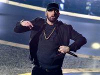 Eminem...17 YIL SONRA SANSÜRSÜZ OKUDU!