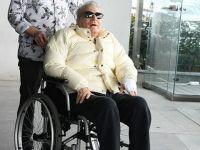 Mehmet Ali Erbil...AYLAR SONRA DIŞSRI ÇIKTI, TRAŞ OLDU!