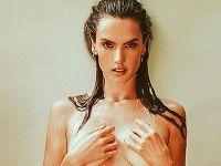 Alessandra Ambrosio üstsüz paylaşım... 'TÜM DERTLERİM SUYA KARIŞTI!'