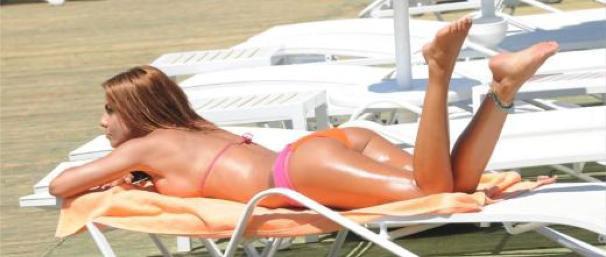 bikiniliguzel_sezlong.jpg
