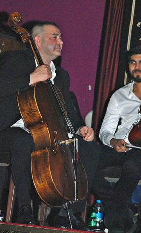 safaksezer_cello_1.jpg